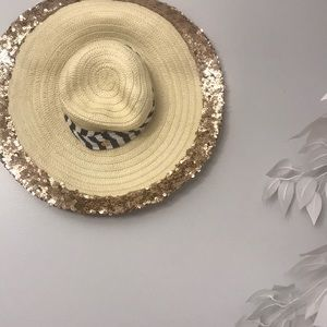 Juicy couture embellished straw hat new 🌟🌟